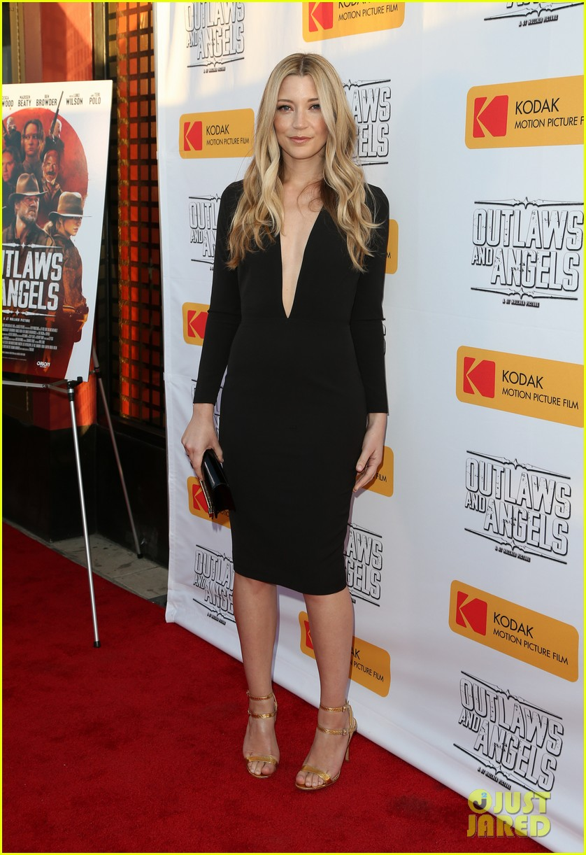 chad michael murray gets support from awesome wife sarah roemer at outlaws angels 103705248