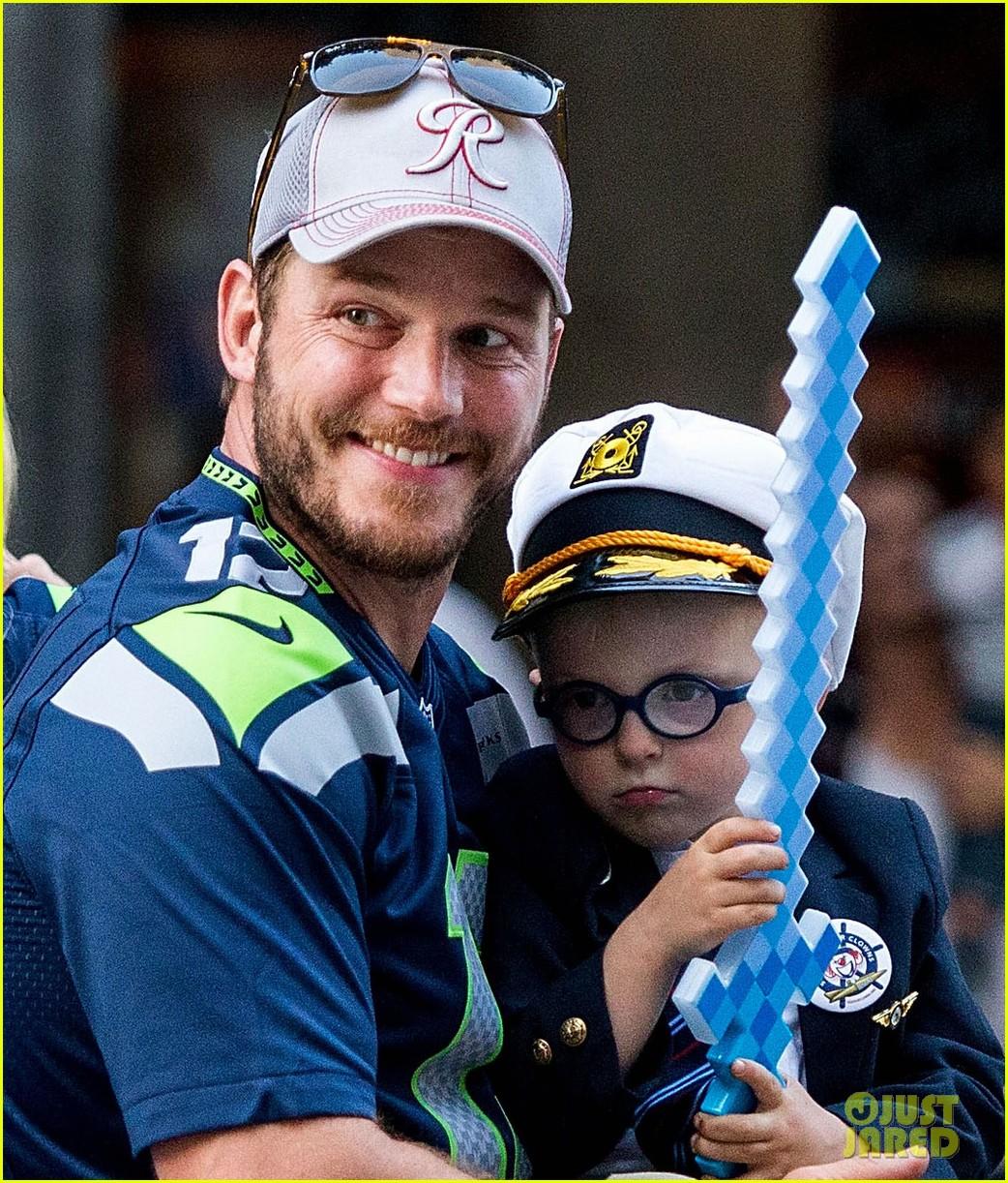 Chris Pratt & Anna Faris' Son Jack Is So Cute In Seattle
