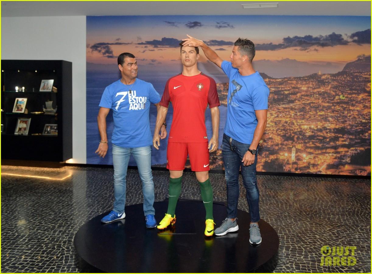 Cristiano Ronaldo Opens His Own Museum Amp Hotel Photo