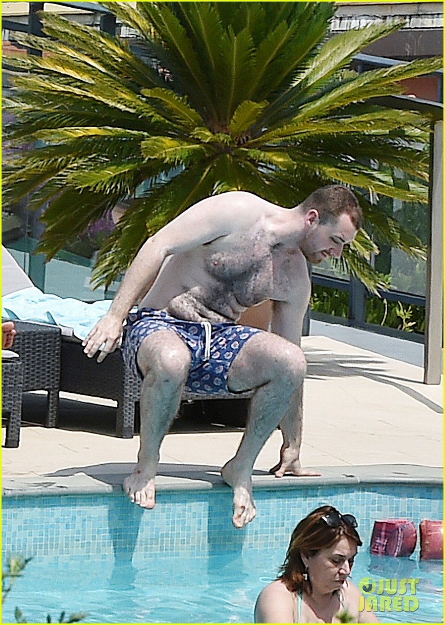 Sam Smith Goes Shirtless While On Vacation Photo 3700881