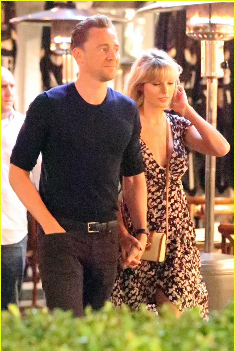 taylor swift tom hiddleston hold hands for romantic dinner date 083702550