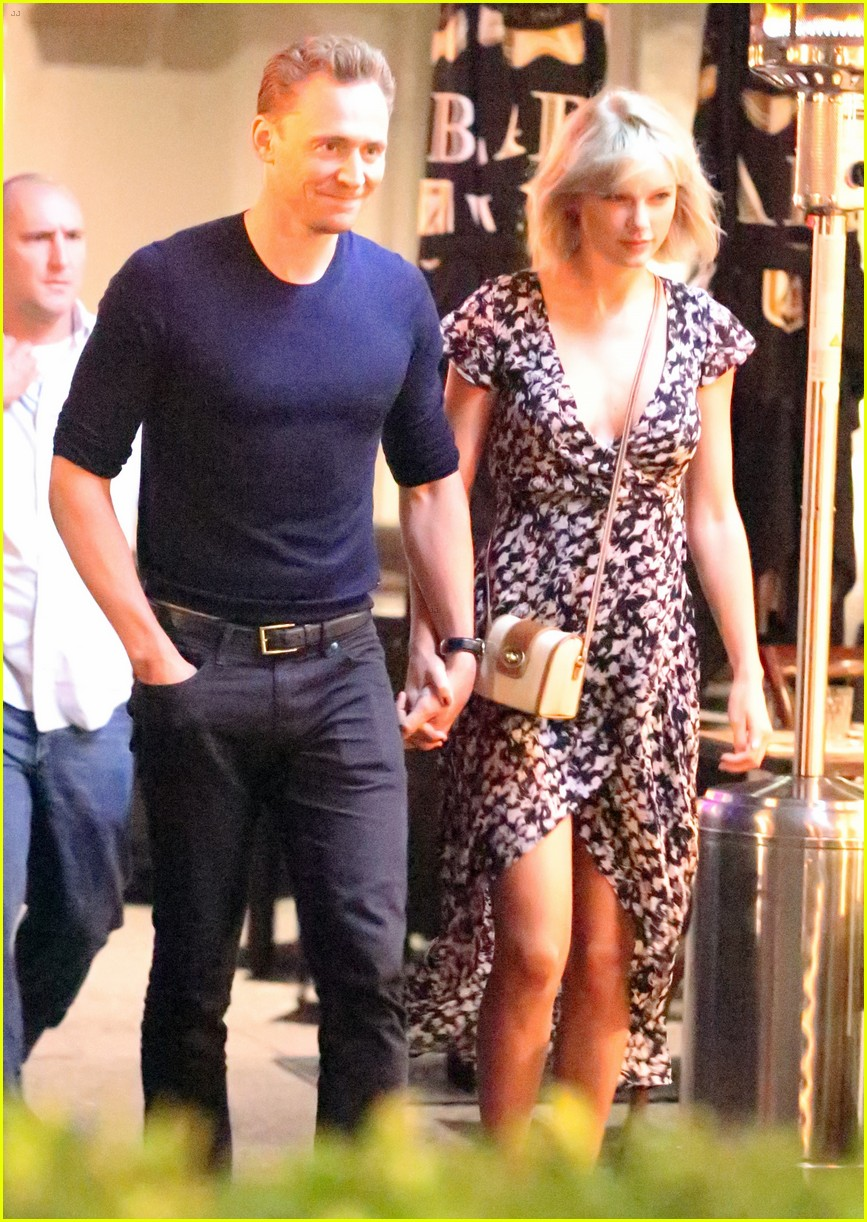 taylor swift tom hiddleston hold hands for romantic dinner date 103702552