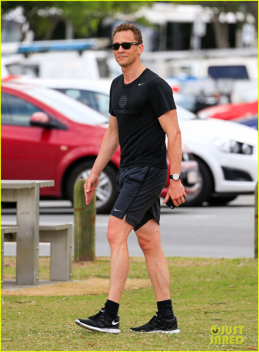 Tom Hiddleston Goes For a Jog After First Interview About Taylor ...