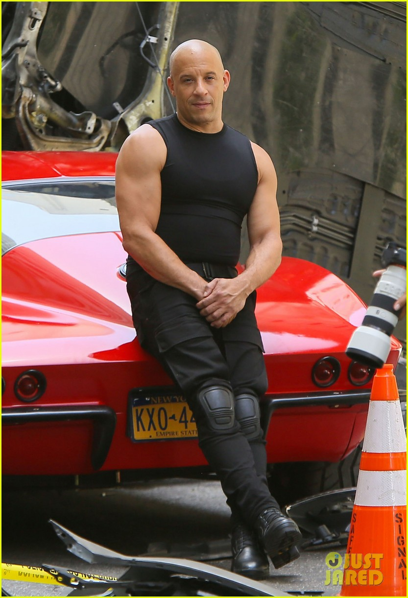 vin diesel flexes his muscles on 39 fast 8 39 set photo 3706285 fast and furious vin diesel. Black Bedroom Furniture Sets. Home Design Ideas