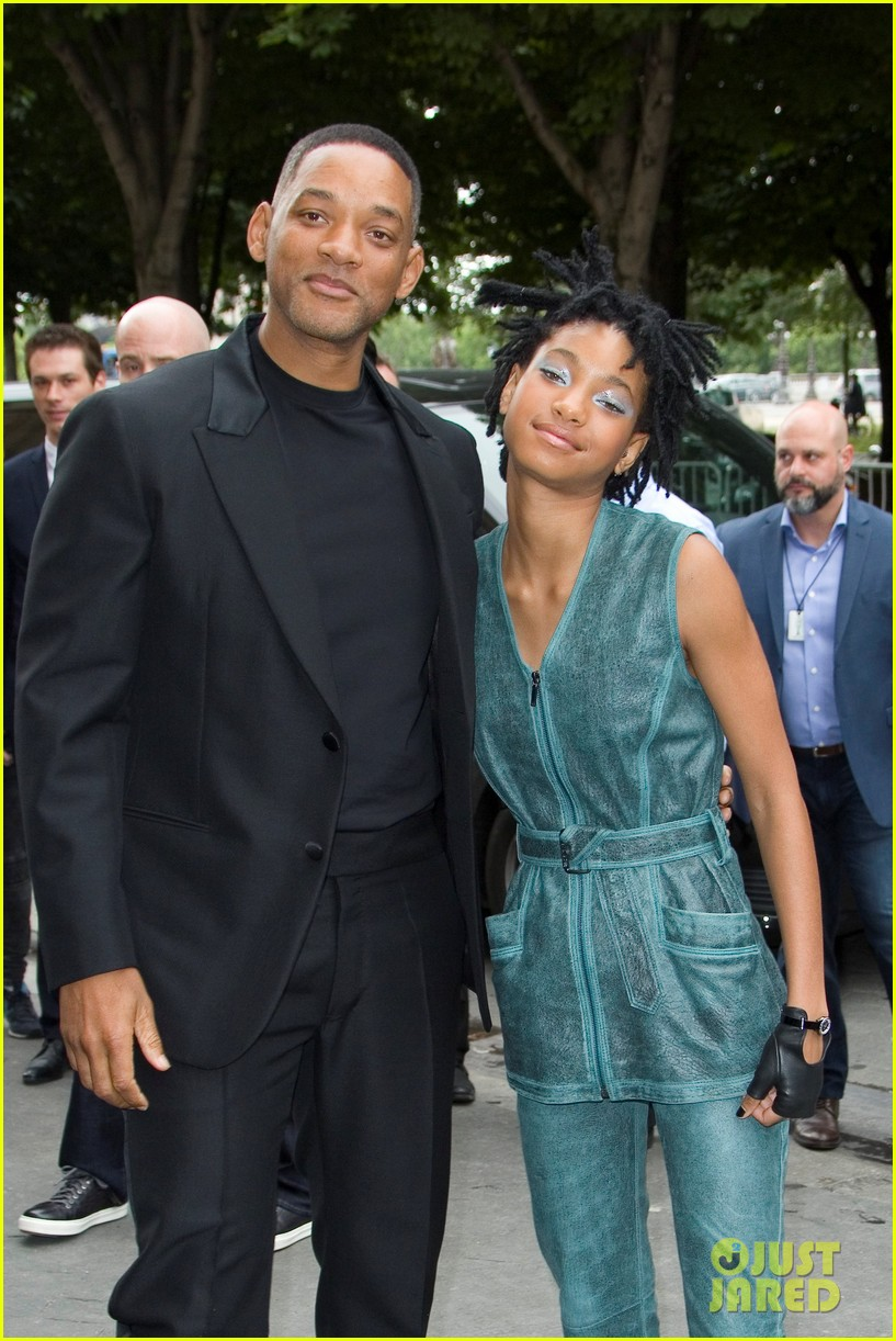 Will Smith & daughter Willow - 'Chanel' Haute Couture Show