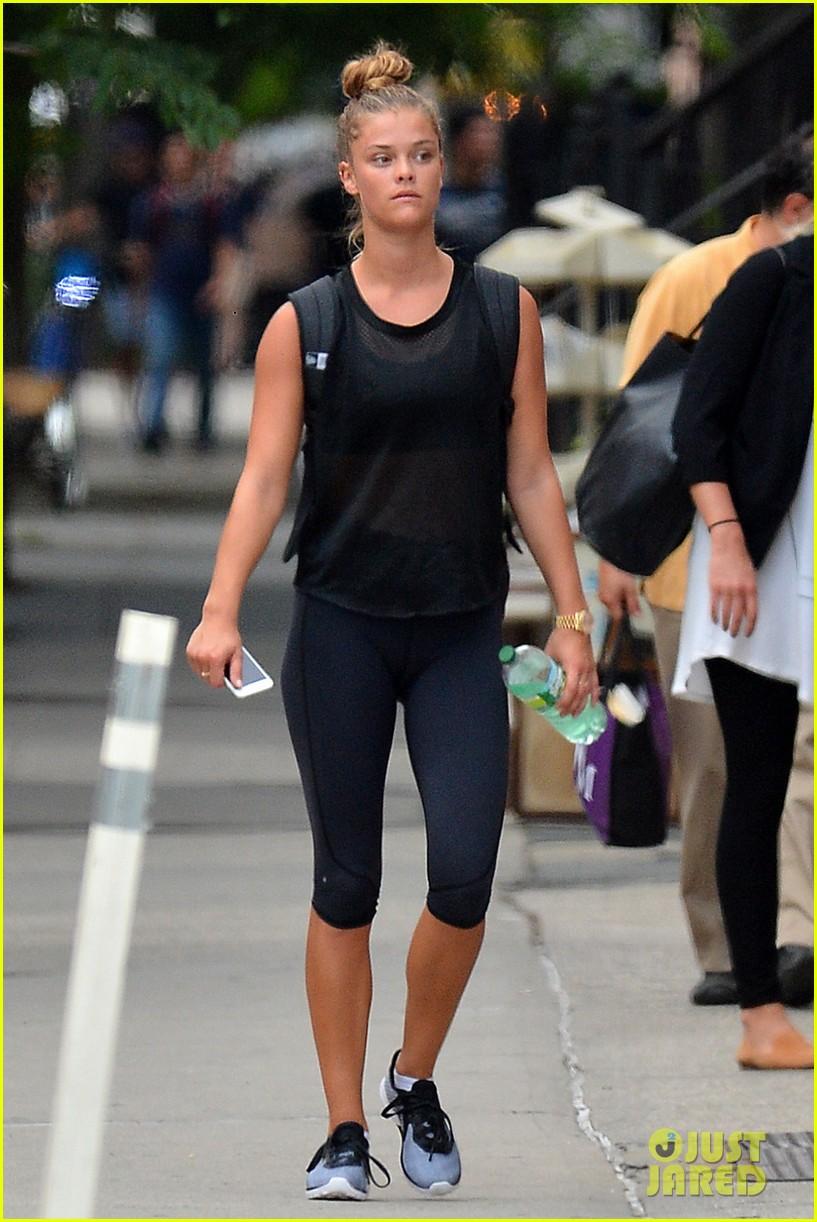 Nina Agdal Workout