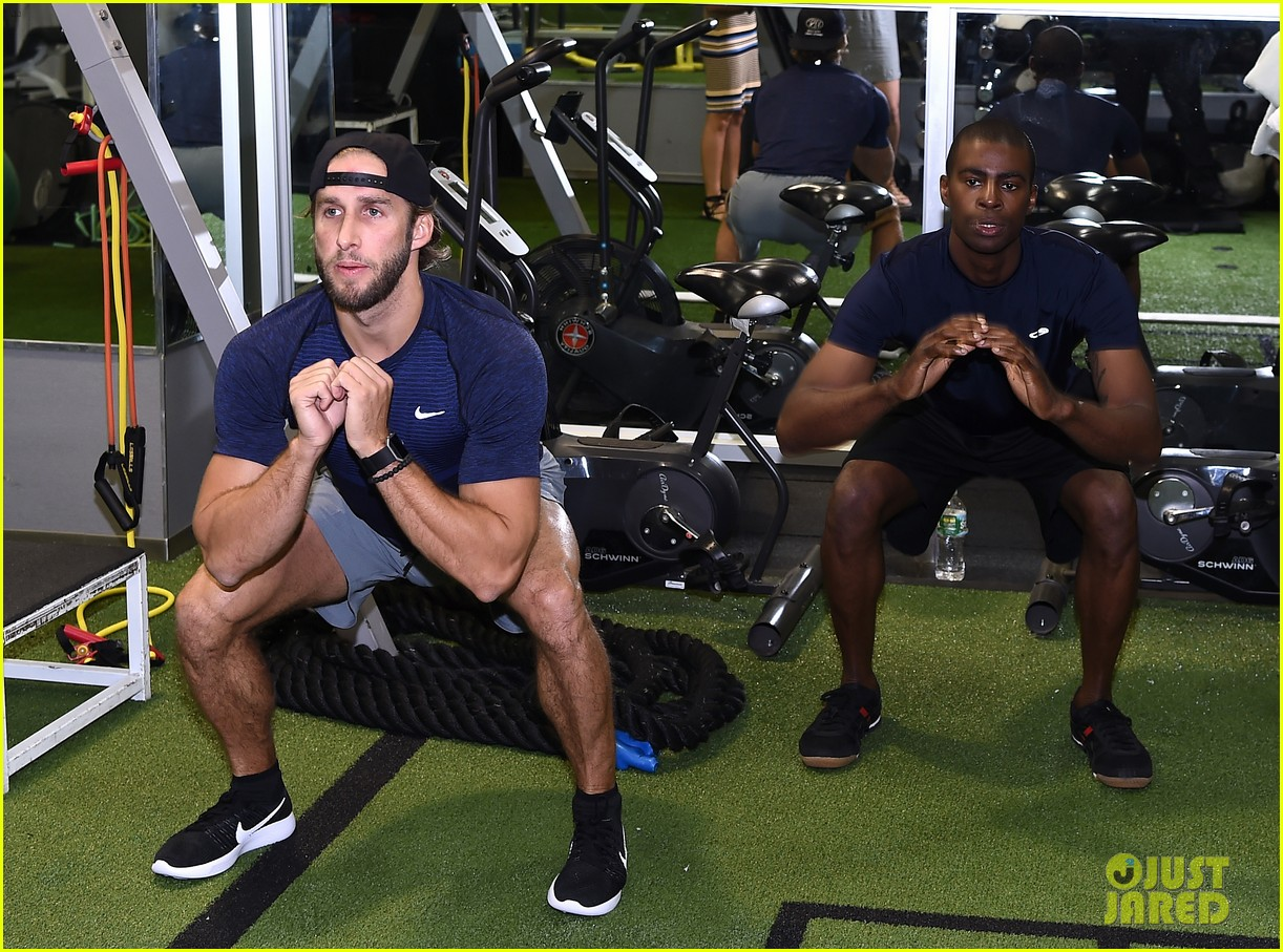 shawn booth works out with nyc first responders 103731858
