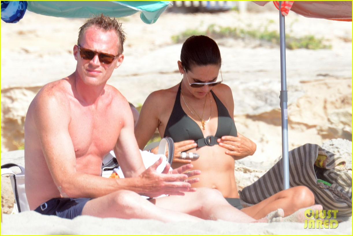 jennifer connelly paul bettany bare beach bodies in spain 233737328