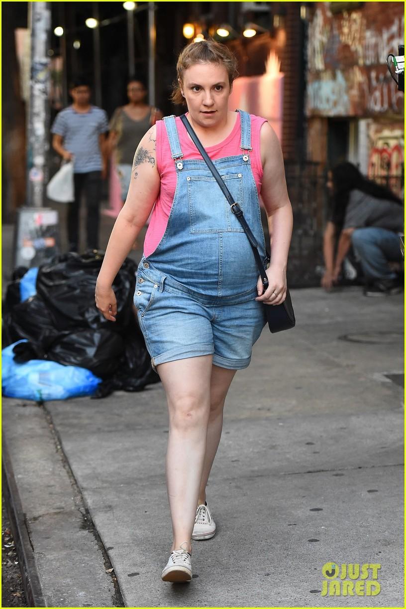 Lena Dunham Sports Fake Baby Bump On Girls Set Photo