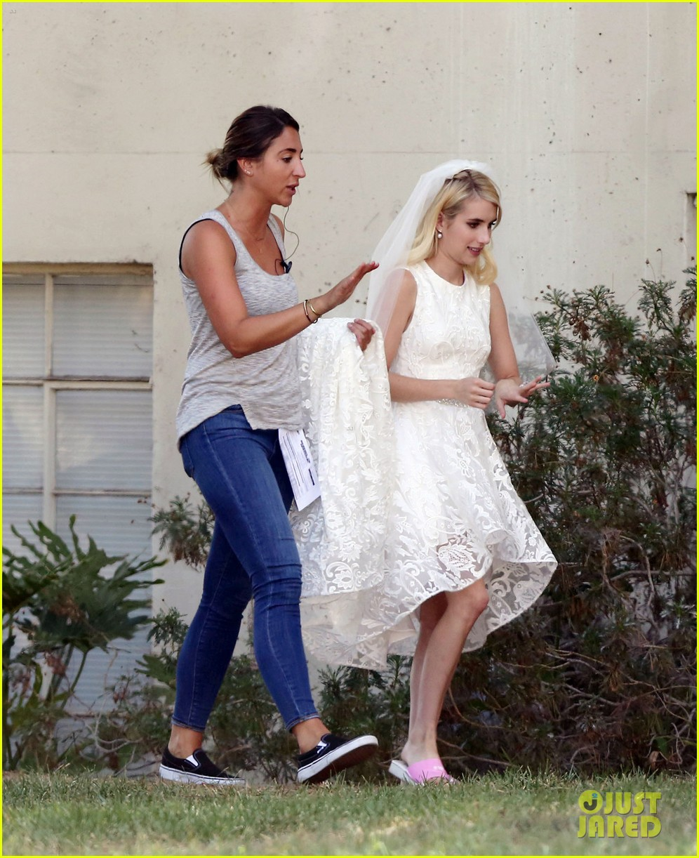 Emma Roberts Wedding Dress Taylor Lautner Gruesome Face Queens Set 043737545