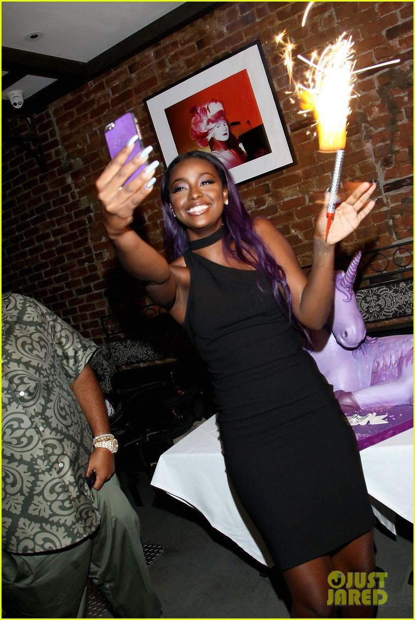 Hailey Baldwin Celebrates Justine Skye S 21st Birthday In New York City Photo 3741806 Dj Khaled Hailey Baldwin Justine Skye Pictures Just Jared