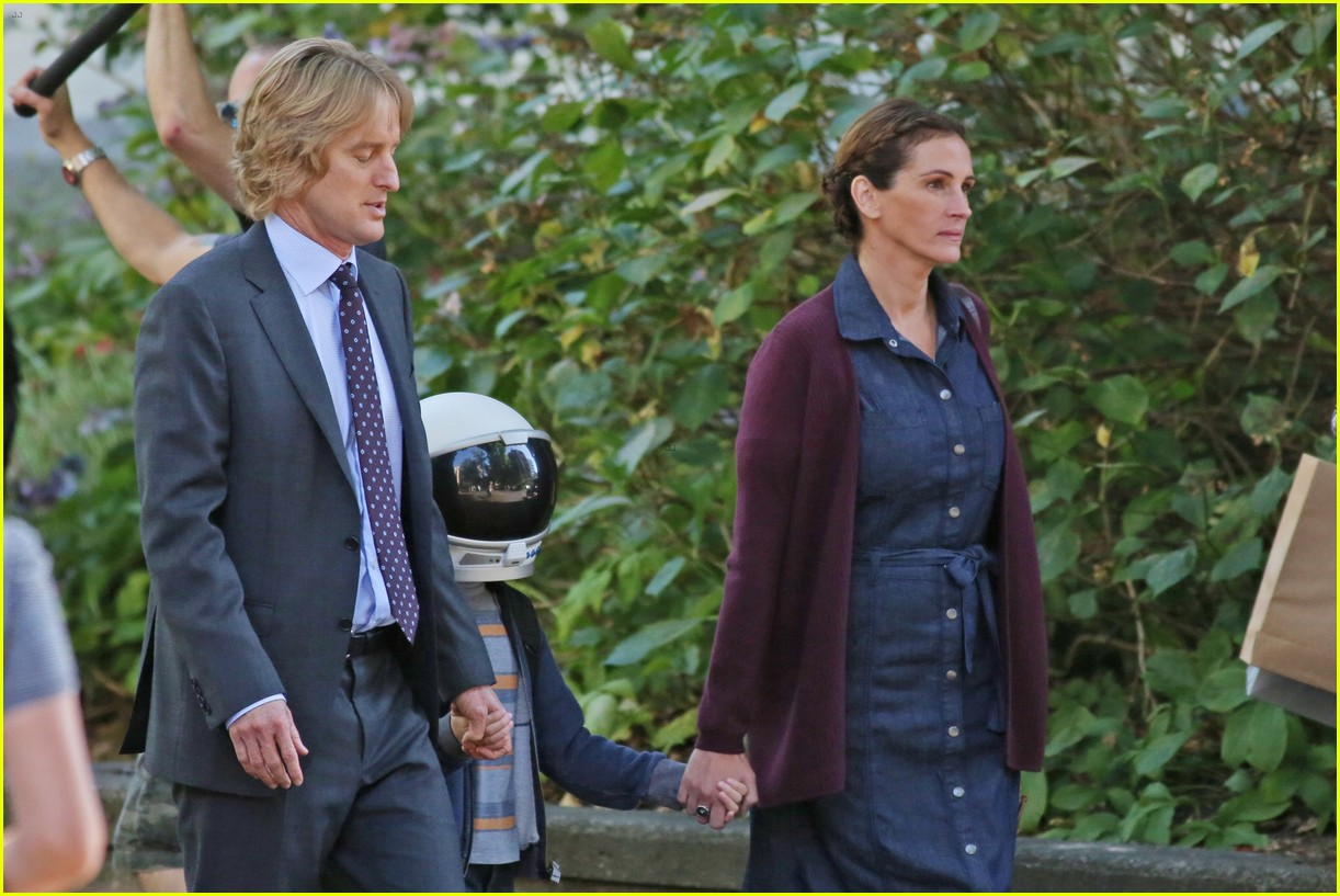 jacob tremblay films wonder with julia roberts and owen wilson 053736156