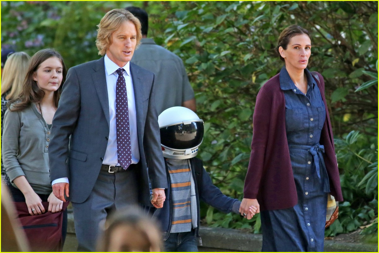jacob tremblay films wonder with julia roberts and owen wilson 063736157