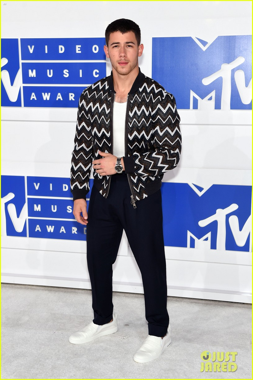 nick jonas mtv vmas 2016 023743856