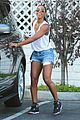 kelly rowland shows off her toned legs in short shorts00512
