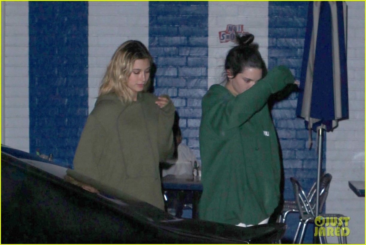kendall jenner asap rocky hailey baldwin diner late night 033736703