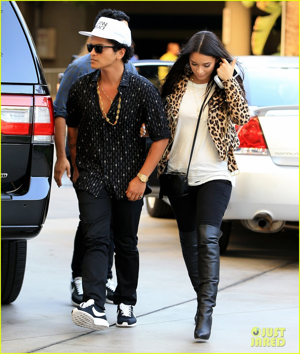 bruno mars and jessica caban relationship problems