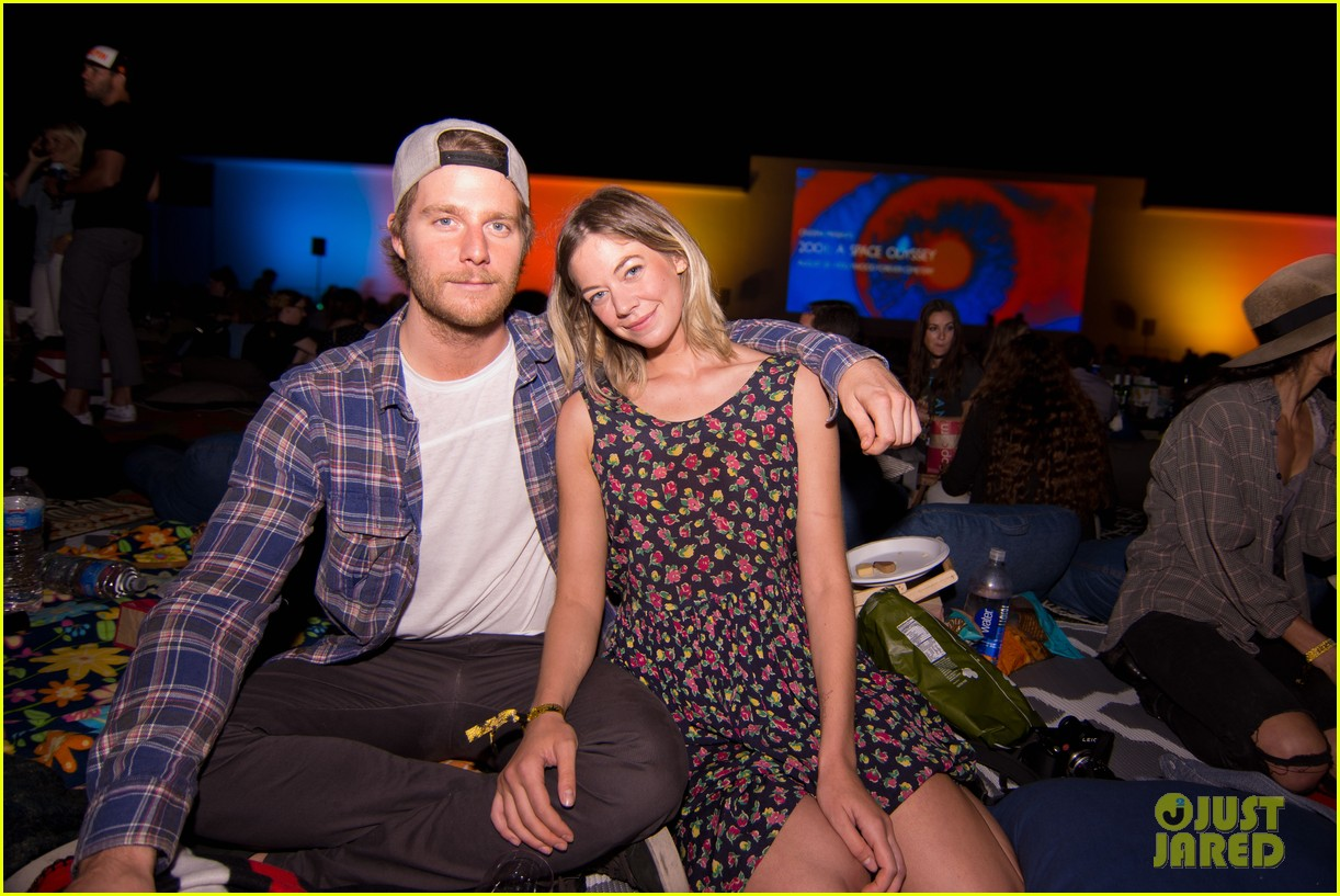 jake mcdorman analeigh tipton couple up at speed cinespia screening 033728987