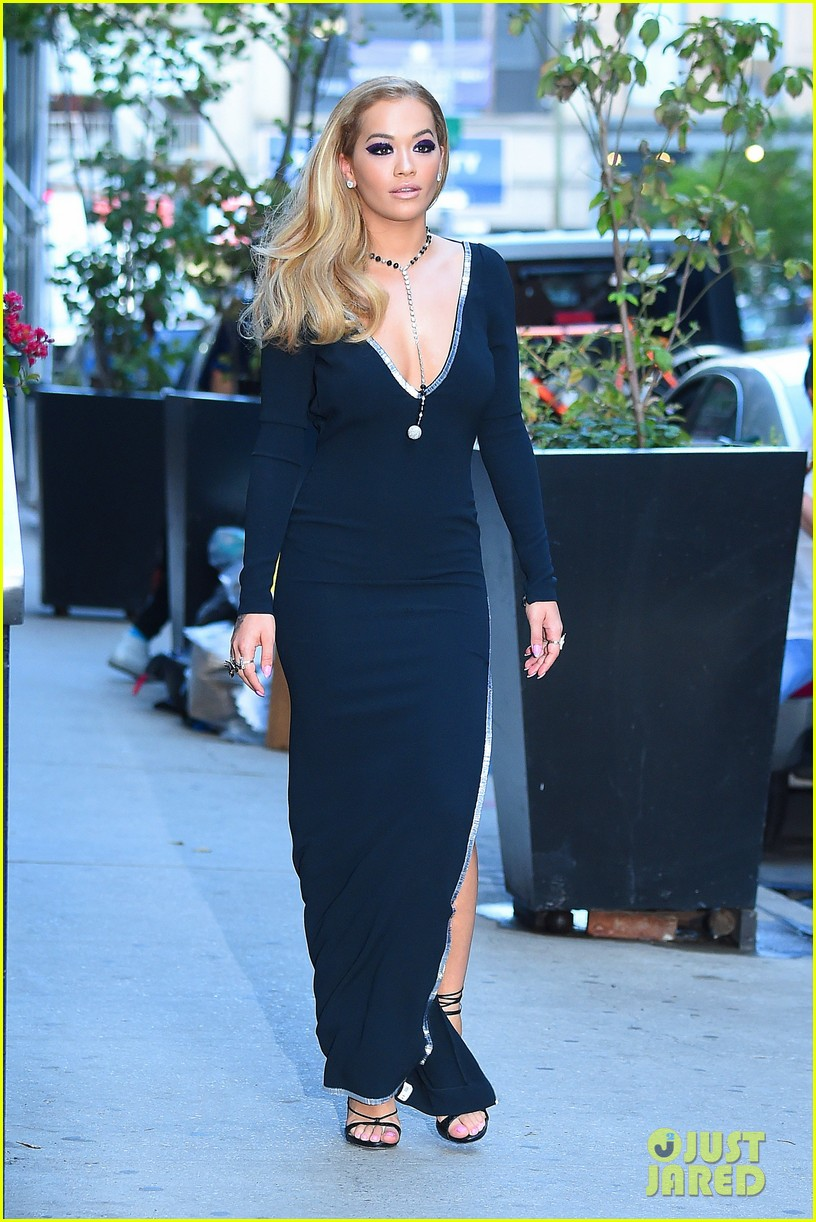 Full Sized Photo Of Rita Ora Mtv Vmas 2016 Red Carpet 05 Photo 3743940 Just Jared