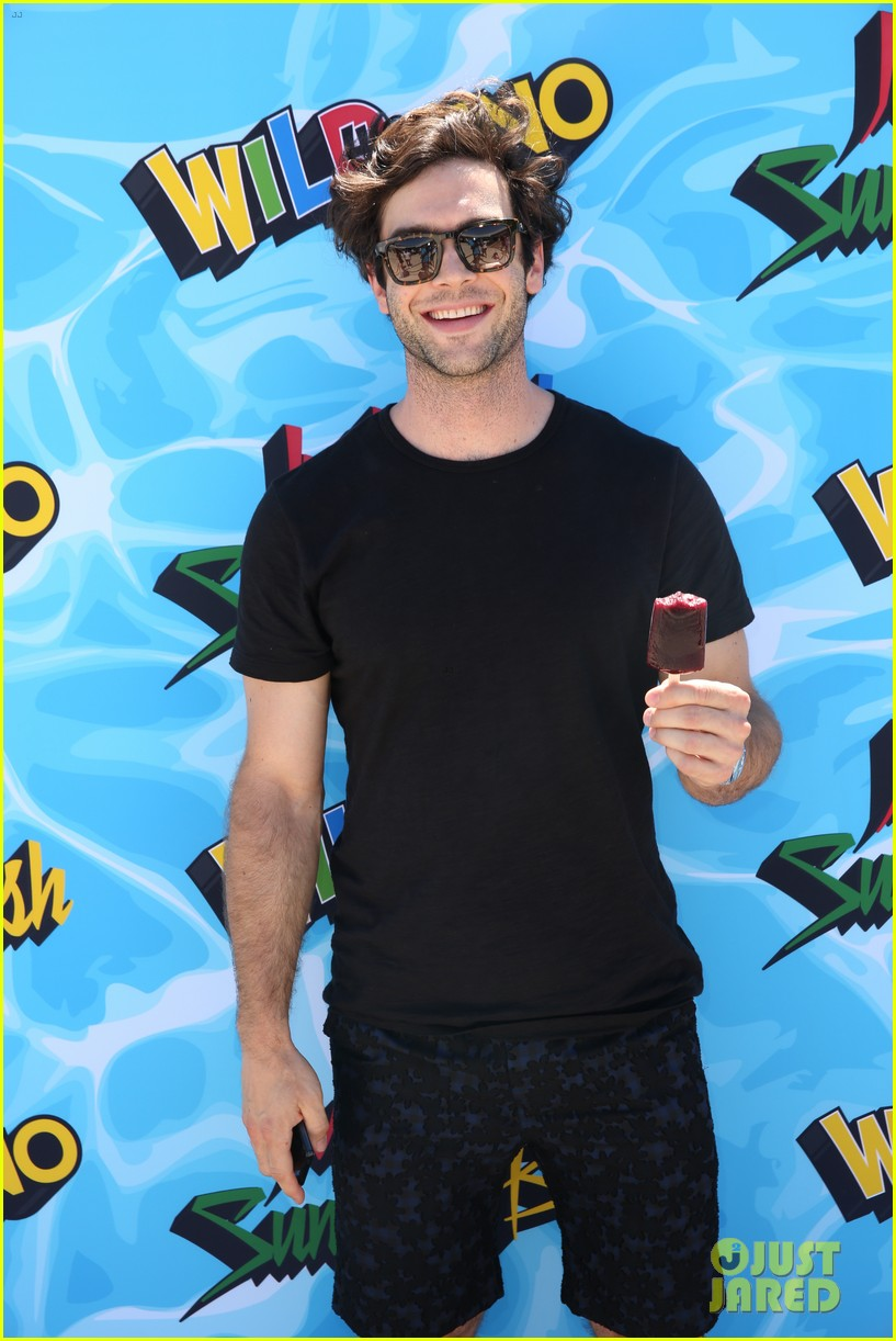 ethan peck bobby french just jared summer bash 033734434