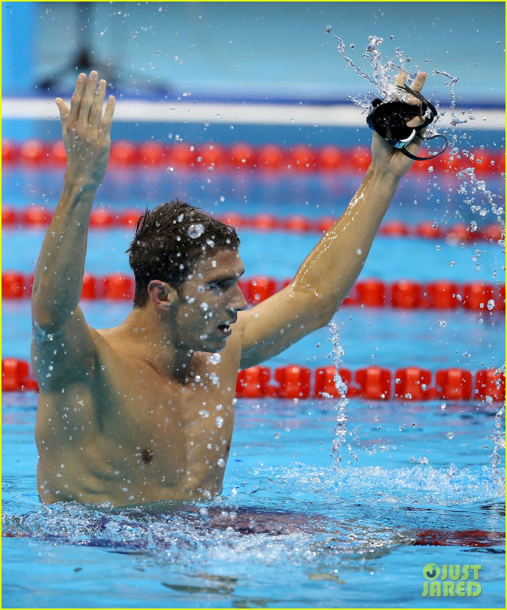 michael phelps picks up 21st gold medal after ripping his cap 023730129