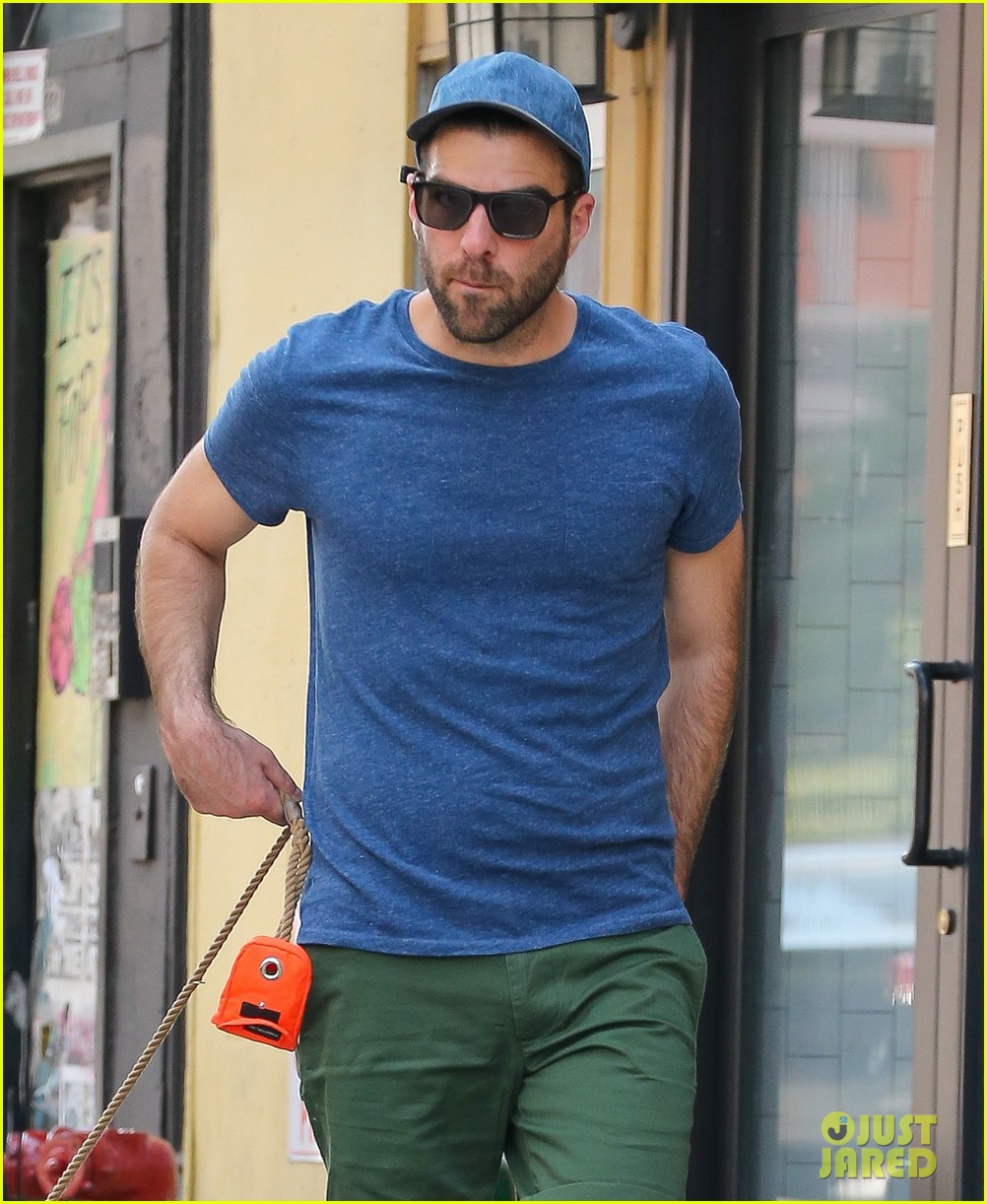 zachary quinto walks dogs nyc 023728748