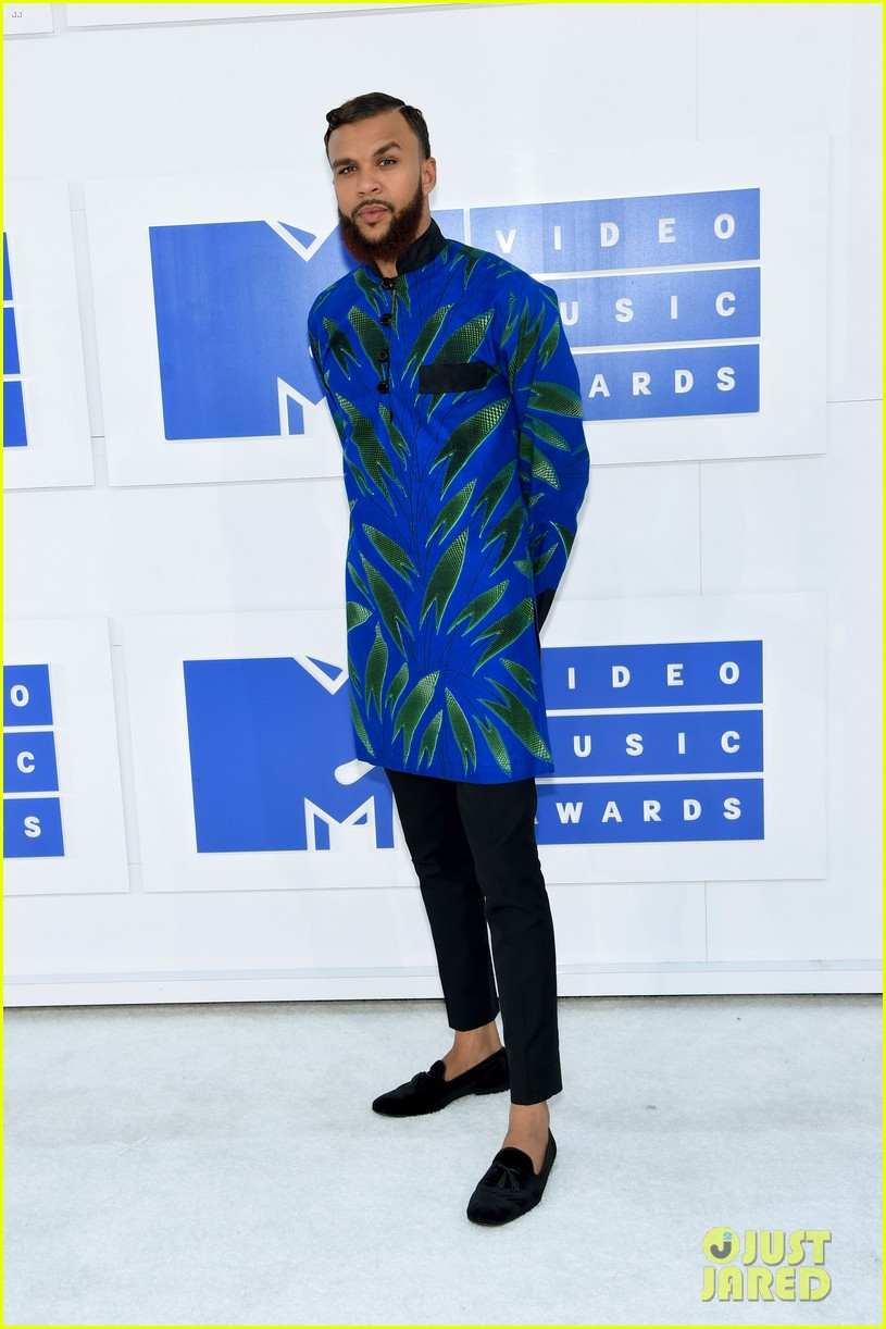 flo rida and jidenna make bold fashion statements at the mtv vmas 2016 043743853