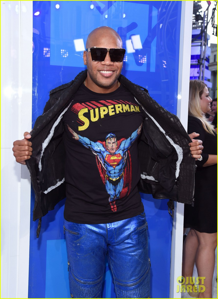 flo rida and jidenna make bold fashion statements at the mtv vmas 2016 053743854