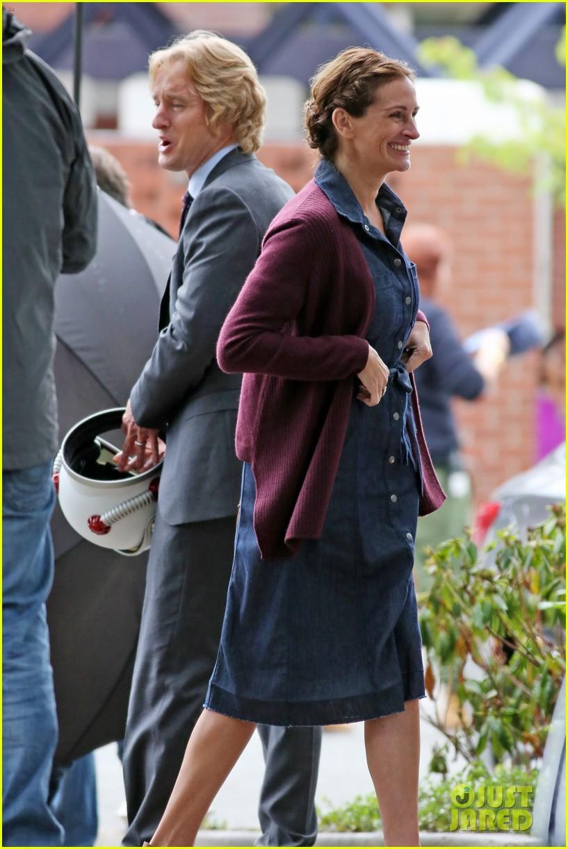Julia Roberts & Owen Wilson Film New Scenes on the Set of