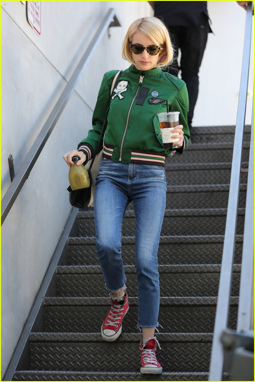 emma roberts keeps busy while filming scream queens 203736222
