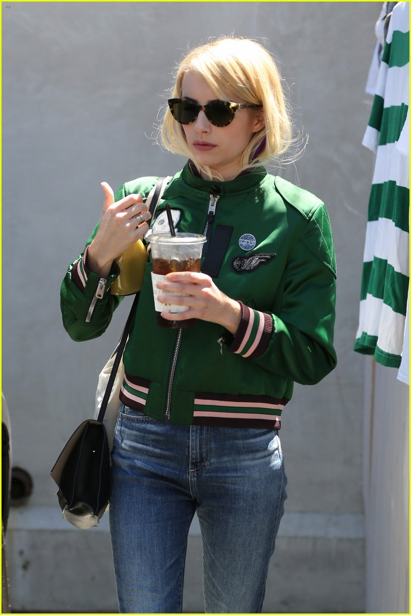 emma roberts keeps busy while filming scream queens 253736227
