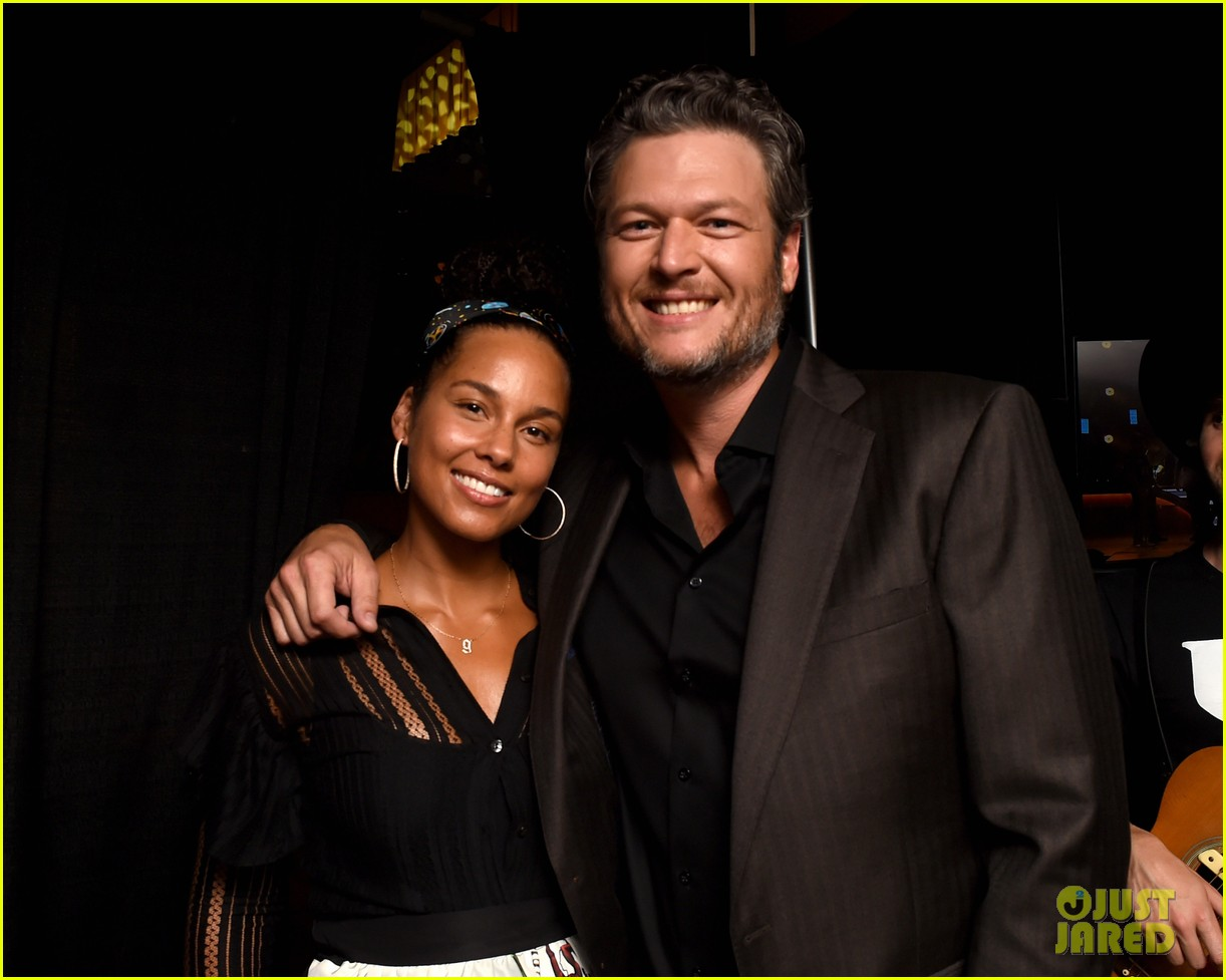 blake shelton miranda lambert alicia keys celebrate acm honors 2016 013746006