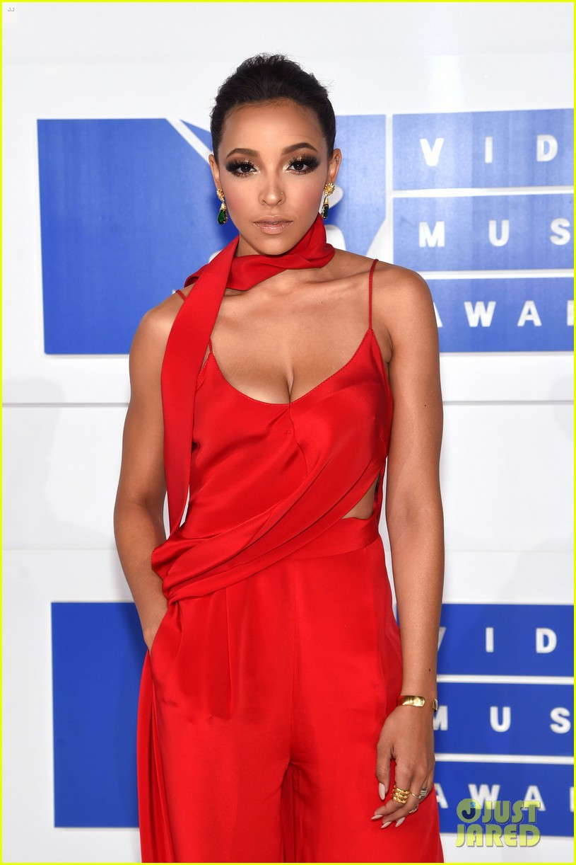 Tinashe Is Red Hot As She Arrives At The MTV VMAs 2016 Photo 3743919
