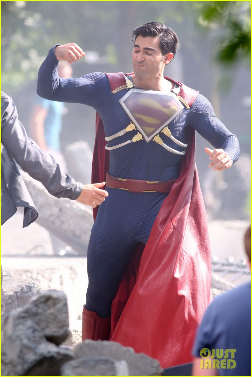 Fight Scenes Are Like Learning A Dance You Learn It Move: Tyler Hoechlin Films A Big Fight Scene In His 'Superman