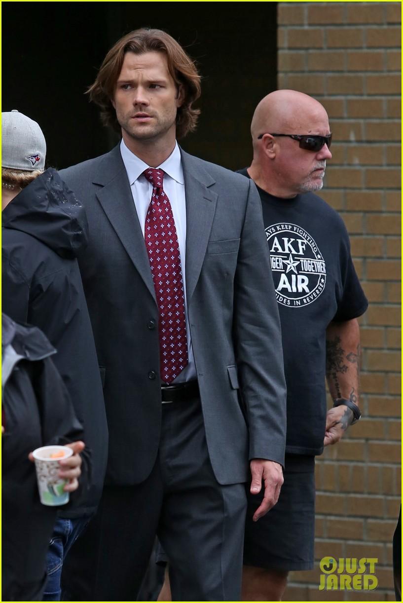 Jensen Ackles Jared Padalecki Get To Work On Supernatural Season