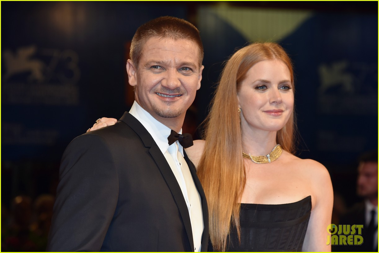 amy adams stuns at arrival venice premiere with jeremy renner