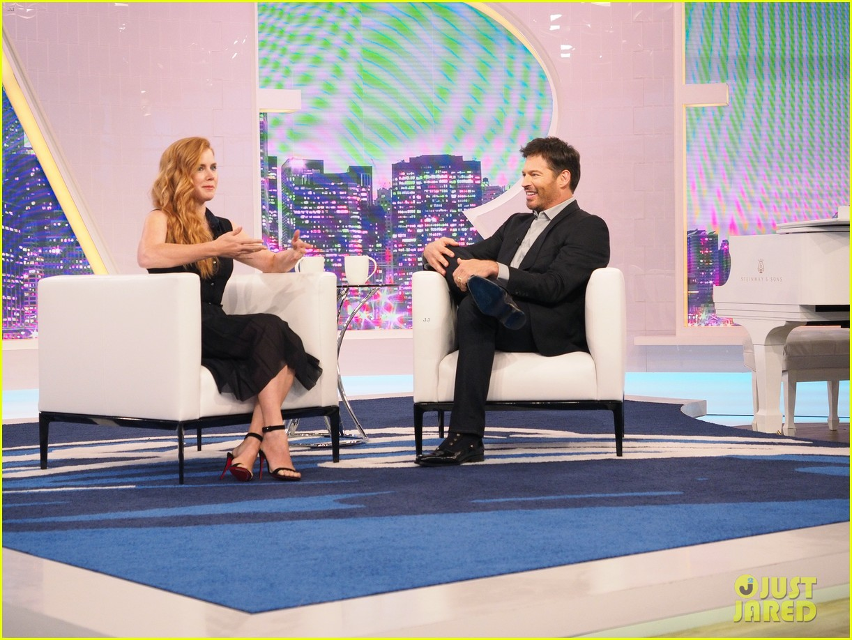 amy adams says daughter aviana has lost her first tooth 033760920