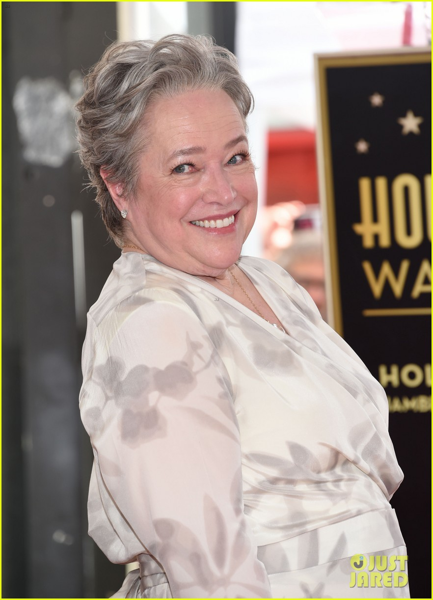 Full Sized Photo Of Kathy Bates Gets Honored By Shirley Maclaine Billy Bob Thornton At Hollywood