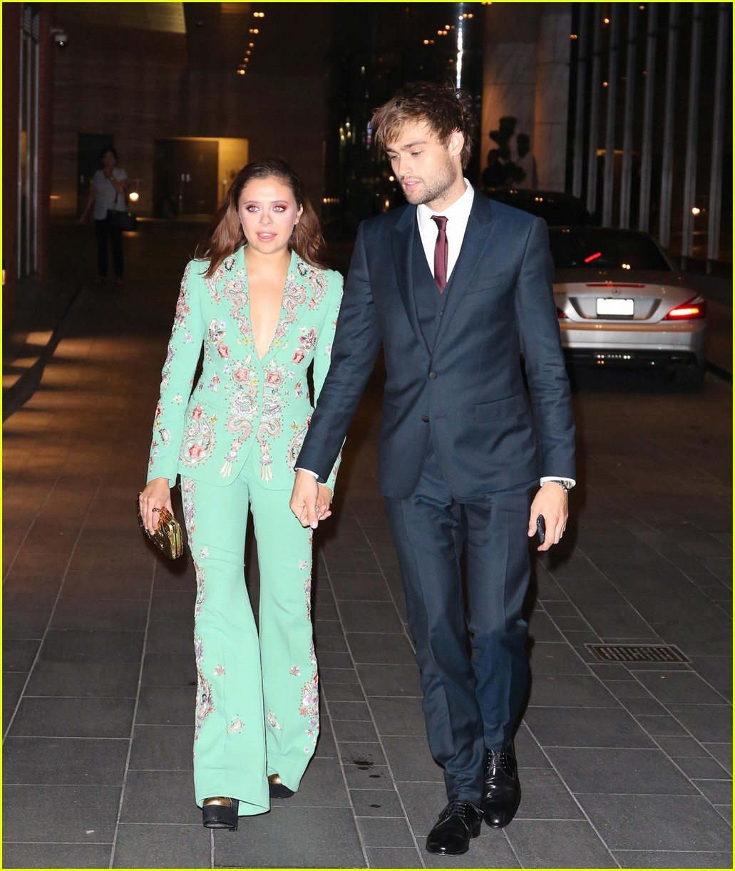 Douglas Booth & Be...