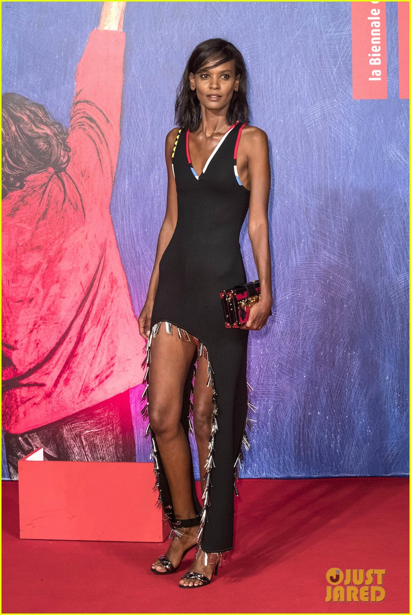 naomi campbell joins fashion elite at venice film festival 063751116