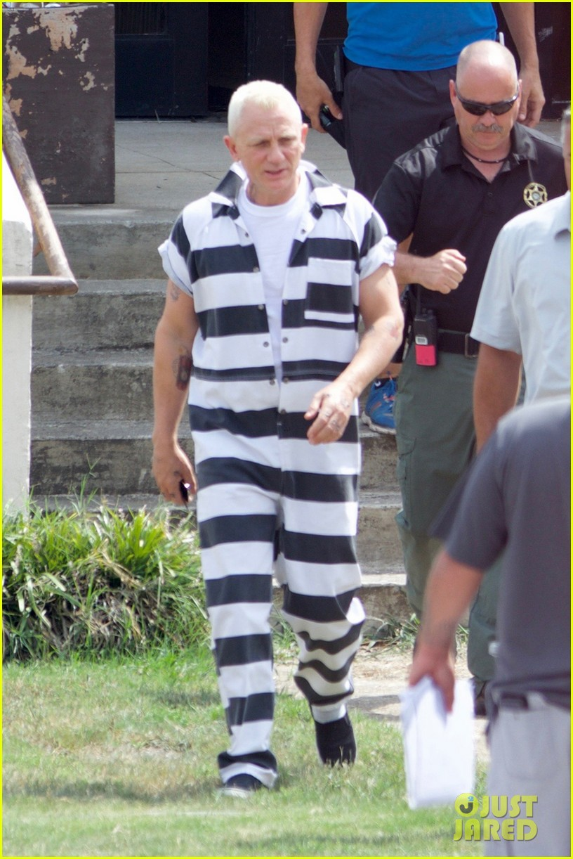 daniel craig goes blond in his prison jumpsuit 023755139