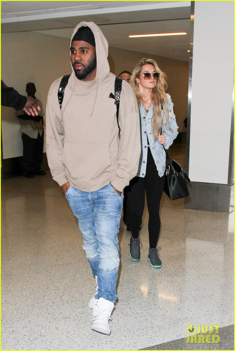 jason derulo touches down at lax after nyfw events 113760931