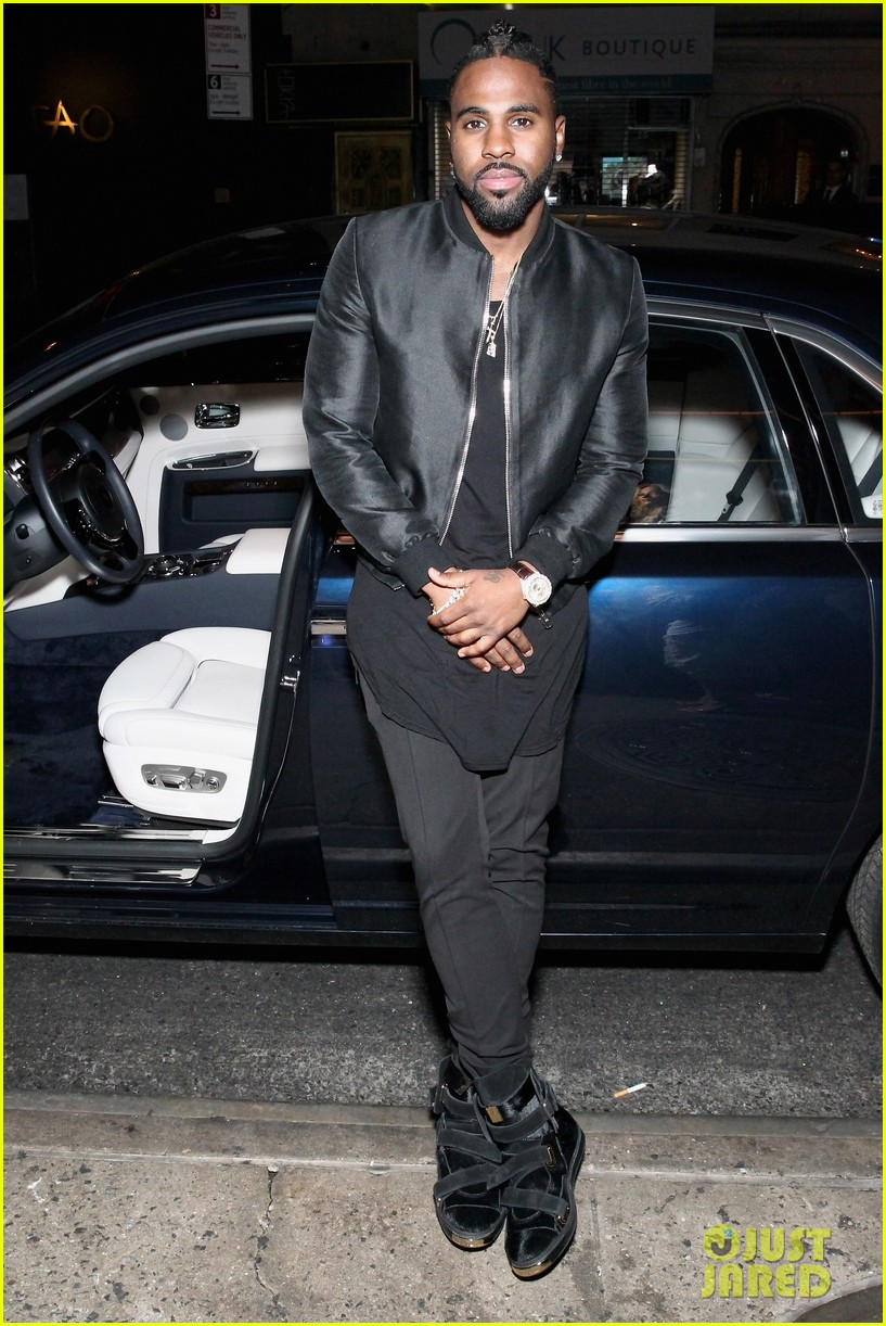 jason derulo touches down at lax after nyfw events 153760935