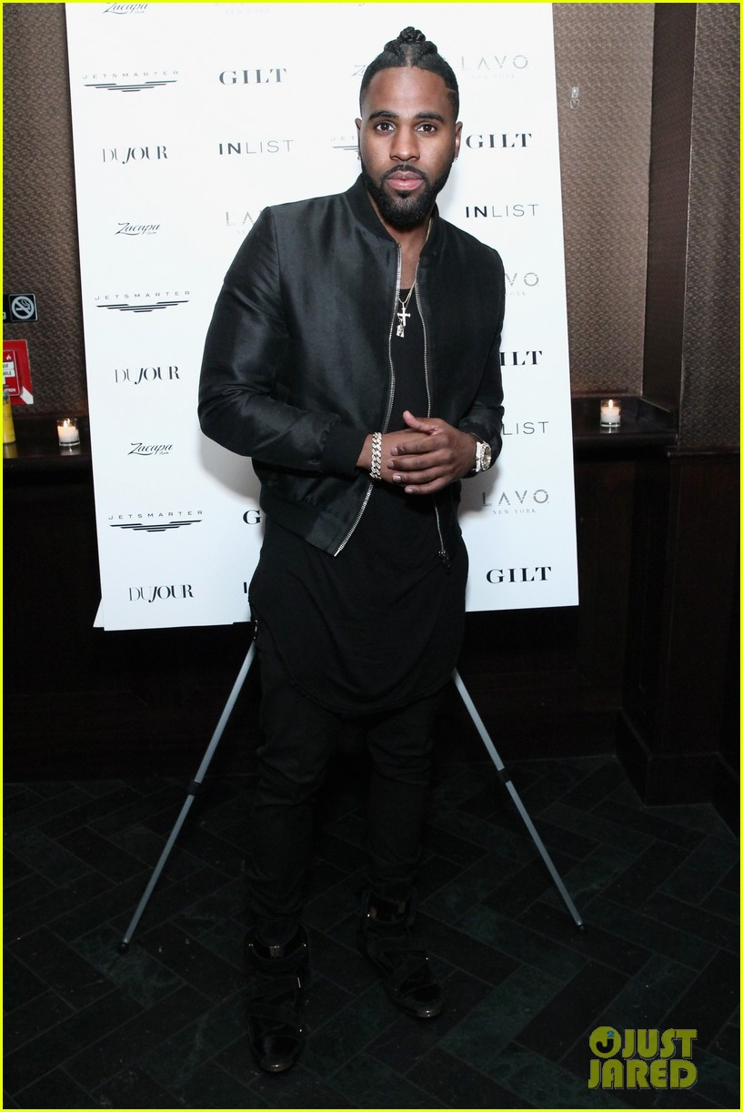 jason derulo touches down at lax after nyfw events 183760938