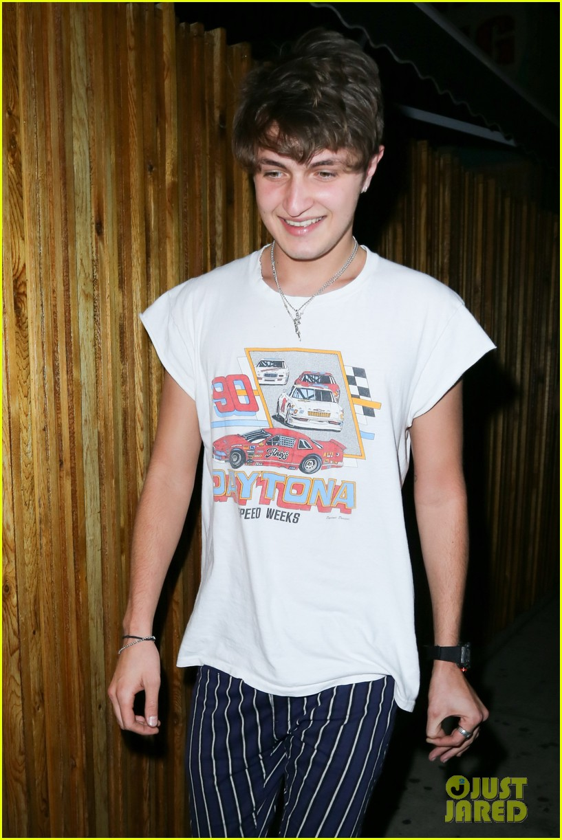 anwar hadid lives it up in the us before heading to paris 023770924