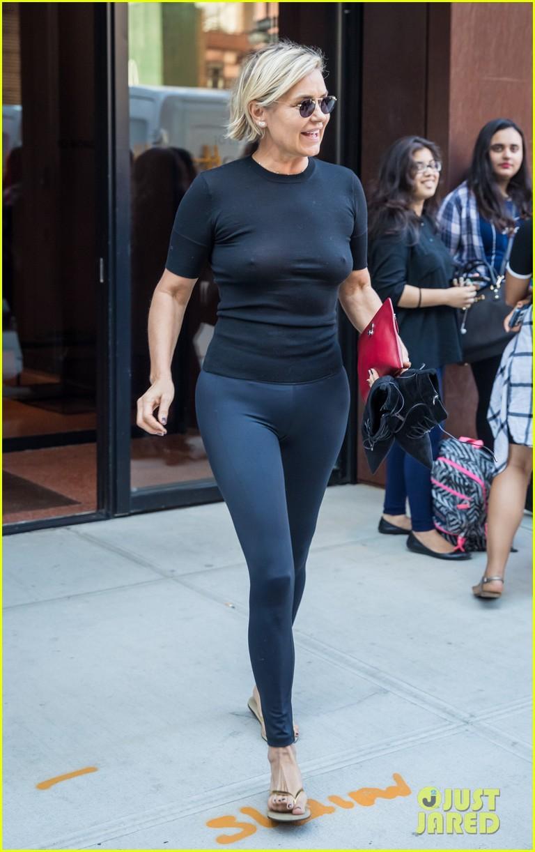 Paparazzi Yolanda Hadid nude photos 2019