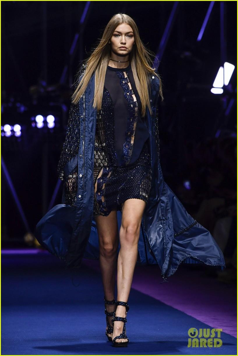 dce4f58777c7 Gigi Hadid Shares Runway Walk with Lauren Hutton in Bottega Veneta Show in  Milan