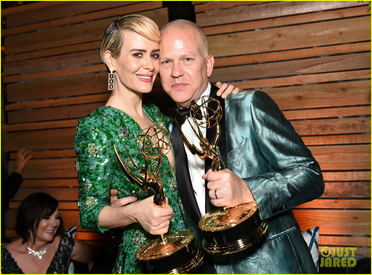 holland taylor sarah paulson emmy awards 043764310