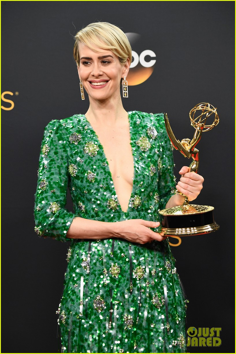 holland taylor sarah paulson emmy awards 053764311