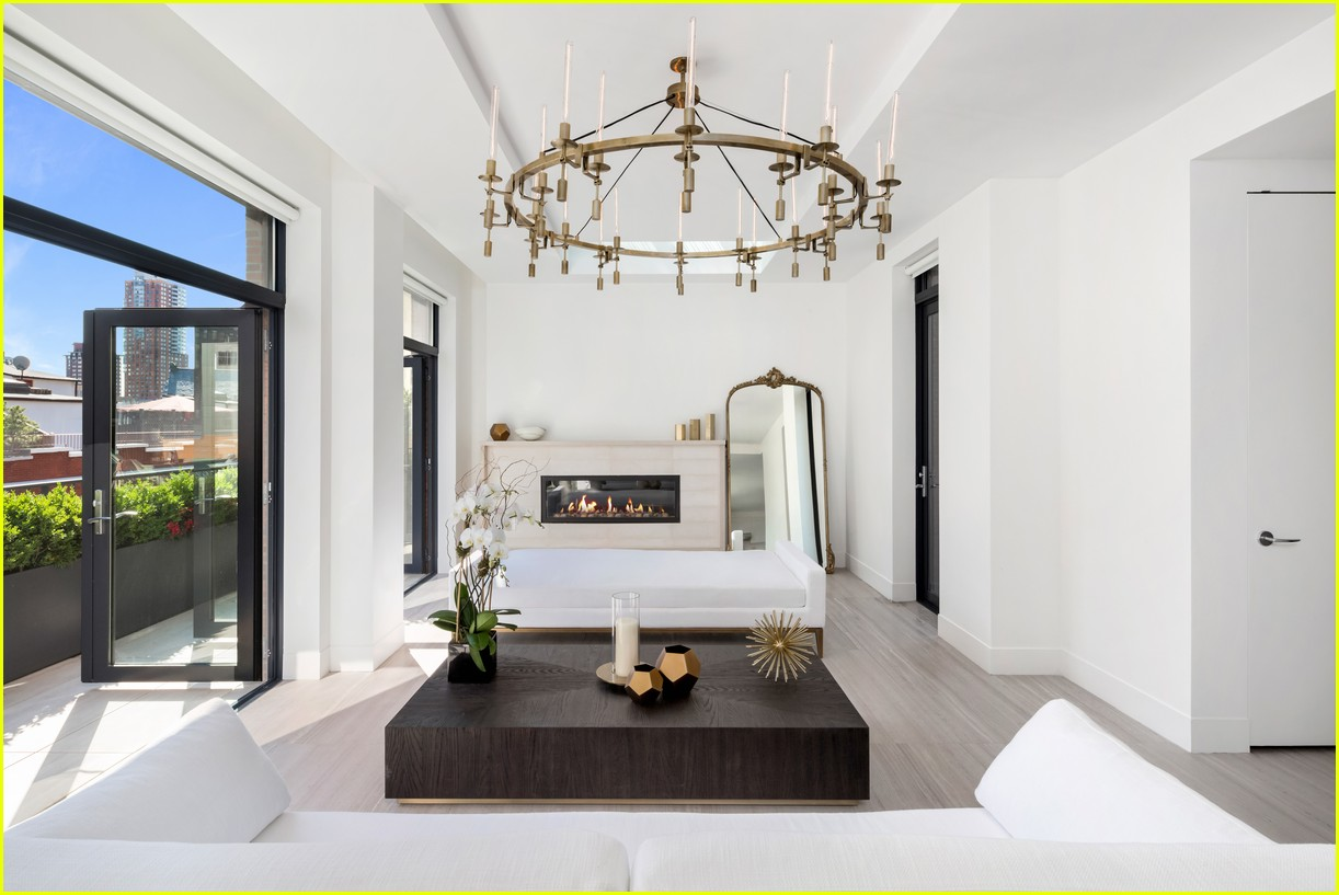 Take A Look Inside Kendall Amp Kylie Jenner S Nyfw Apartment